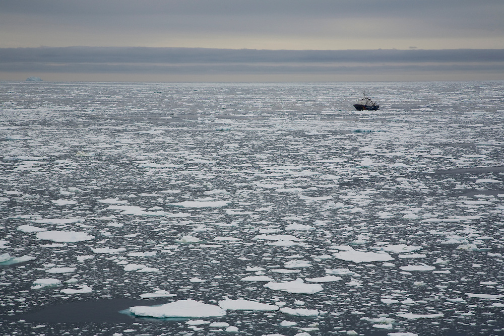 February 14th 2007. Southern Ocean. Greenpeace's M.Y. Esperanza cruises through sea ice in the Ross Sea.