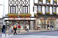 17/09/09 - THIERS - PUY DE DOME - FRANCE - Rehabilitation et renovation du centre ville historique de la ville de Thiers. Coutellerie Chambriard - Photo Jerome CHABANNE