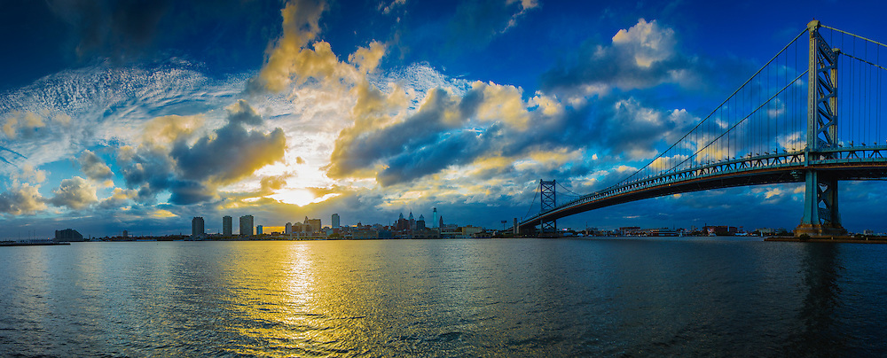 Philadelphia at sunset with the BenFranklin Bridge