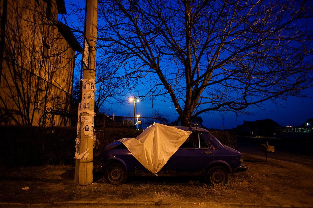 A Roma family formerly from Gazela are living in Zemun Polje.