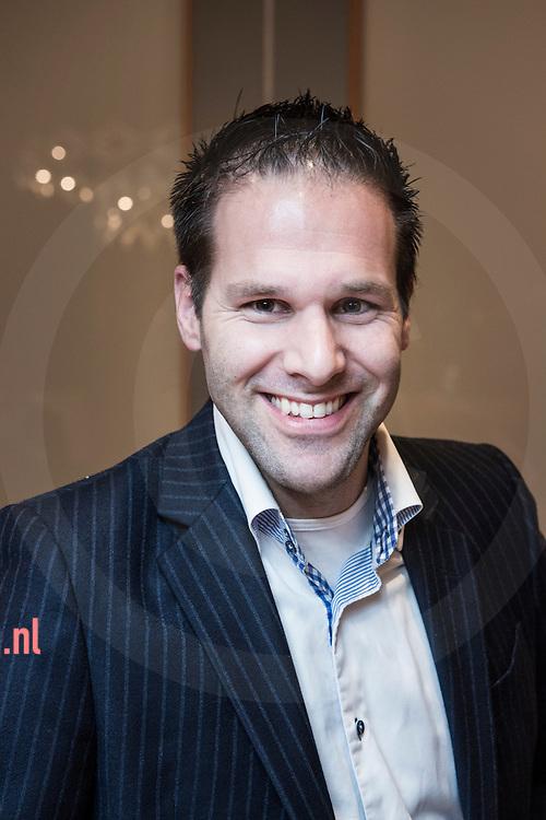 17december2013 Nederland, vriezenveen Bart-Jan Harmsen FunctieRaadslid gemeente belangen twenterand<br /> AdresEsweg 69<br /> 7683 VJ   Den Ham<br /> E-mail adresb.j.harmsen@twenterand.nl<br /> Hoofd- en nevenfunctie(s)<br /> <br /> Hoofdfunctie: Politie Twente, 38 uur per week, bezoldigd