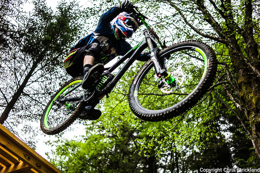 Nevis Range, Fort William, Scotland, UK. 4th June 2016. Peter Williams of Great Britain in action. The worlds leading mountain bikers descend on Fort William for the UCI World Cup on Nevis Range.