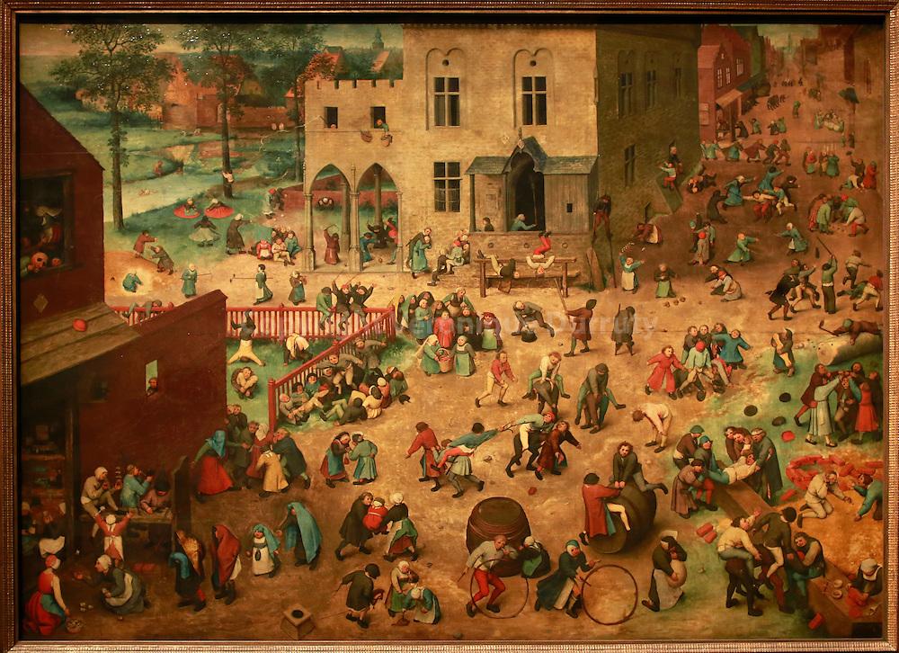 Paintings gallerie, Kunsthistorisches Museum, Vienna, Austria : Pieter Bruegel, Children's play, 1560 // Galerie de peinture du Kunsthistorisches Museum, Vienne, Autriche : Pieter Bruegel, jeux d'enfants, 1560