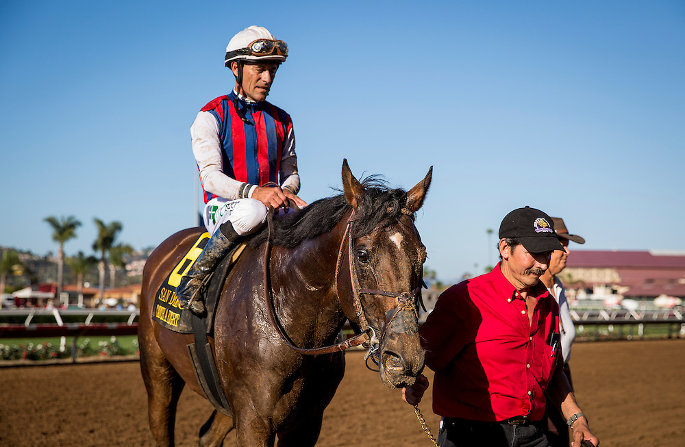July 25 2015: Catch A Flight with Gary Stevens wins the San Diego Handicap at Del Mar Race Course in Del Mar CA. Alex Evers/ESW/CSM