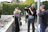 4/11/2010 - Joan River - How'd You Get So Rich - LA