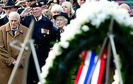 4-5-2014 AMSTERDAM - Queen Maxima and King Willem-Alexander at the wearth laying ceremony (Dodenherdenking) at the WWII memorial at the monument op de Dam in Amsterdam. Koning Willem-Alexander en Koningin Máxima zijn zondagavond 4 mei aanwezig bij de Nationale Herdenking in Amsterdam .COPYRIGHT ROBIN UTRECHT