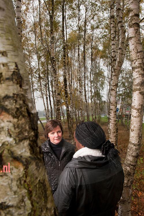 nederland, hengelo 07nov2012 Ellen prent , coach begeleider (De nieuwe toekomst ) en anonieme client