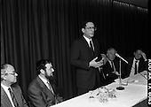 1989 - Israeli Ambassador Meets Irish Jewish Community.  (T6).