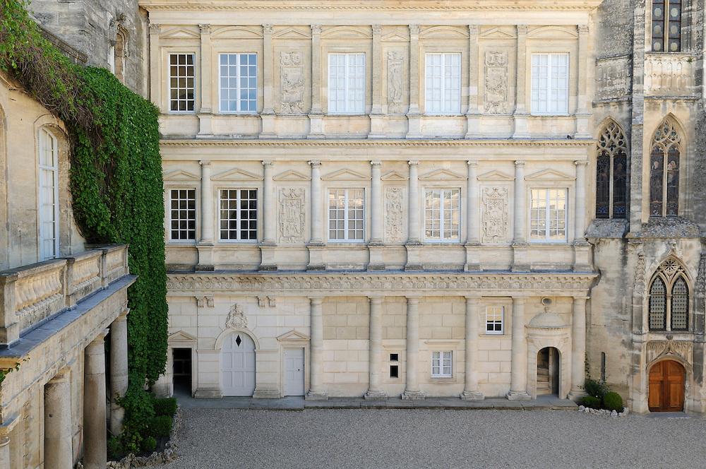 France, Languedoc Roussillon, Gard, Uzège, Uzès, le Duché, la façade Renaissance