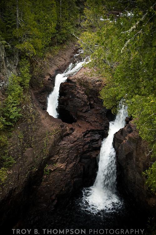 Devil's Kettle waterfall