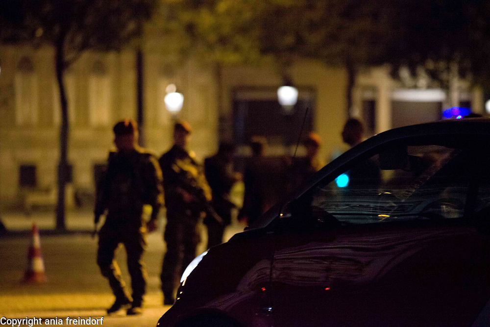 Terror Attack Champs Elysee, police officer and suspect shot dead on Champs Elysees in attack claimed by Islamic State, one tourist woman injured, another french police officer badly injured, Paris, France, French army soldiers