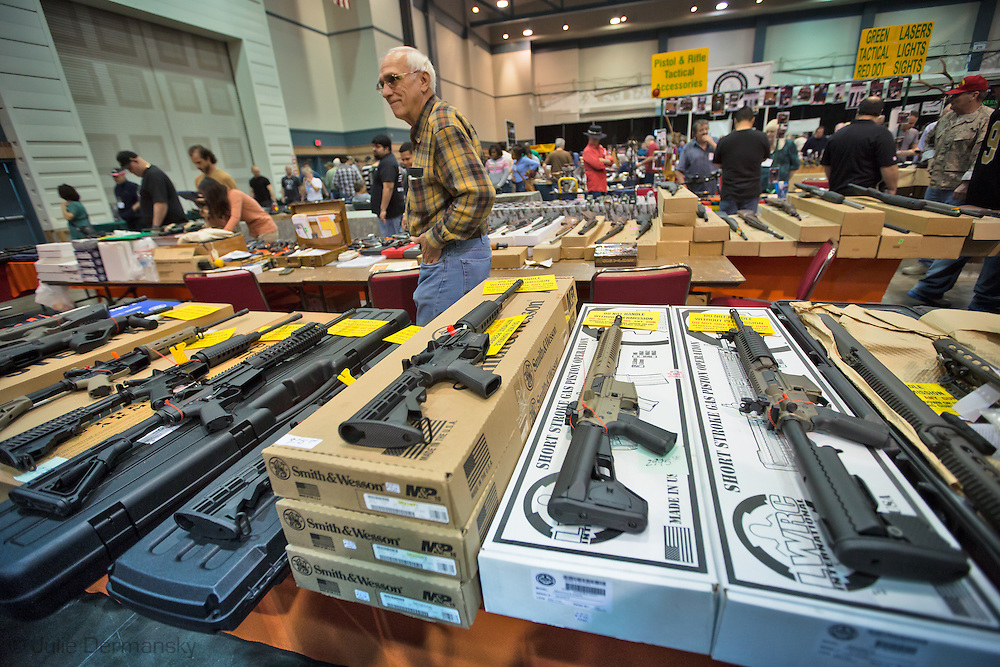 At gun show ar 15s are top sellers after mass school for Craft fairs in ct december