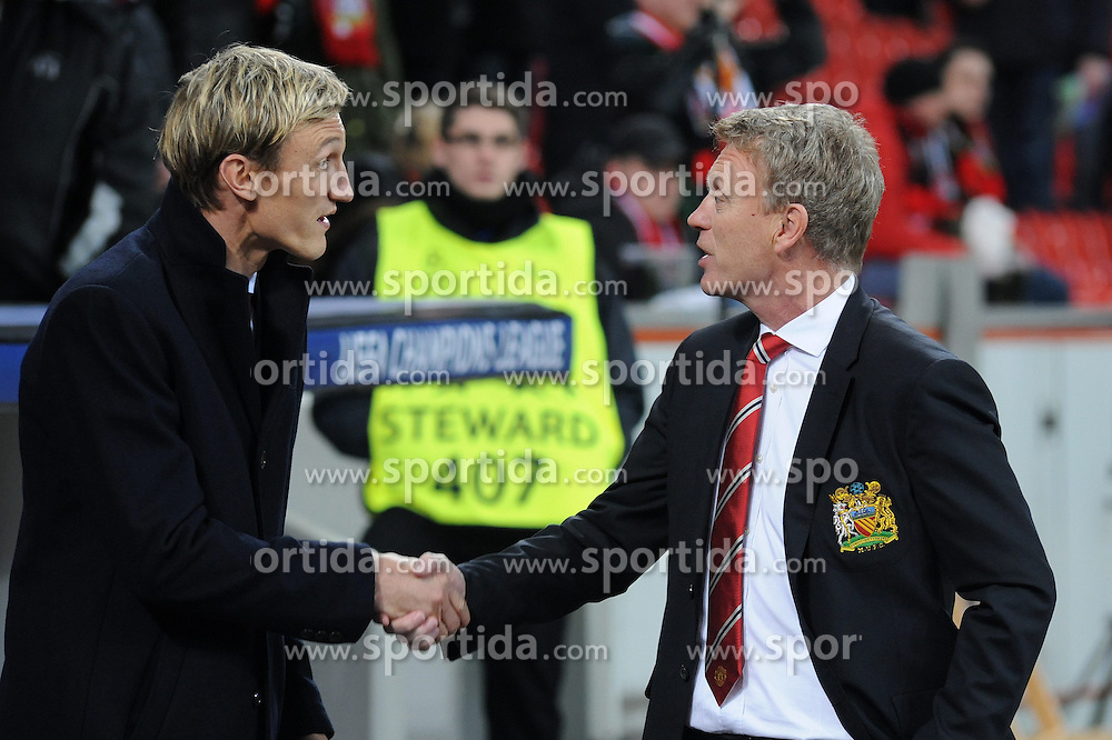 27.11.2013, BayArena, Leverkusen, GER, UEFA CL, Bayer Leverkusen vs Manchester United, Gruppe A, im Bild Shake hands der Trainer Sami Hyypiae ( links Bayer 04 Leverkusen ), David Moyes ( rechts Manchester United ) // during UEFA Champions League group A match between Bayer Leverkusen vs Manchester United at the BayArena in Leverkusen, Germany on 2013/11/28. EXPA Pictures &copy; 2013, PhotoCredit: EXPA/ Eibner-Pressefoto/ Thienel<br /> <br /> *****ATTENTION - OUT of GER*****