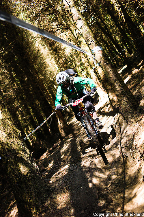 Innerleithen, Tweed Valley, Scotland, UK. 30th May 2015. Chris Kimberley in action at The Enduro World Series Round 3 taking place on the iconic 7Stanes trails during Tweedlove Festival. Mountain bikers come up against eight stages across two days, with an intense 2,695 metres of climbing over 93km. As well as the physicality of the liaisons, the stages themselves are technical, catching many off guard.