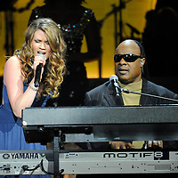 Joss Stone sings with Stevie Wonder at the 2nd Annual BET Honors