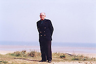 Leon Gautier, French D-Day veteran, ex commando Kieffer, in June 2004, on the beach where he landed