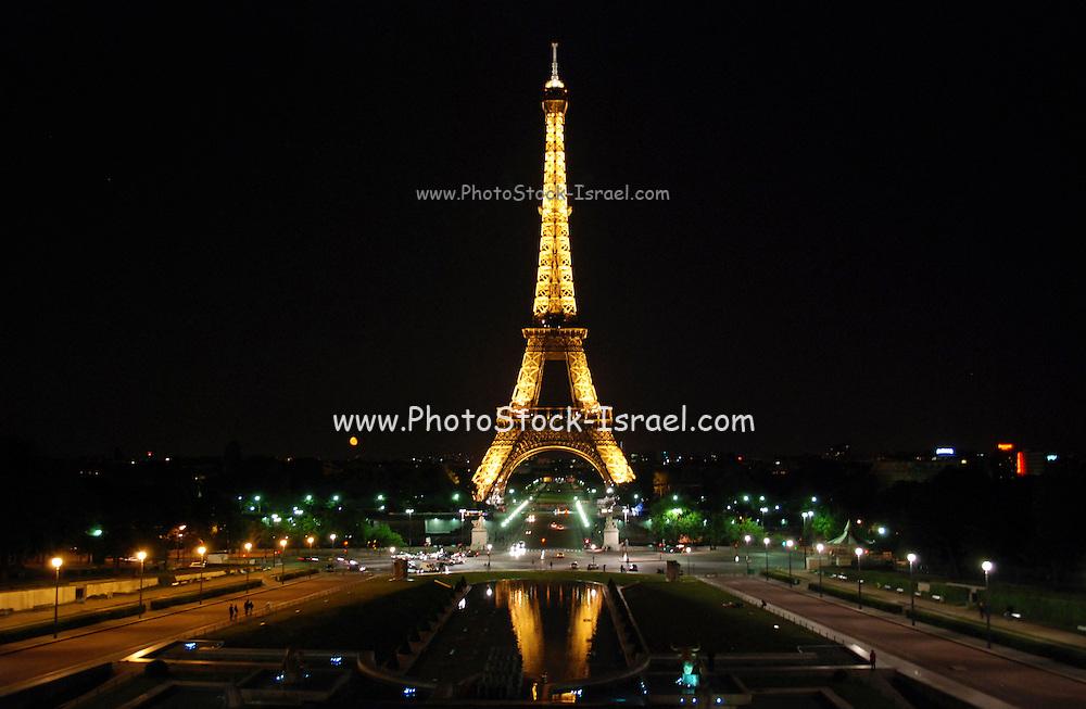 France, Paris, Eiffel Tower at night