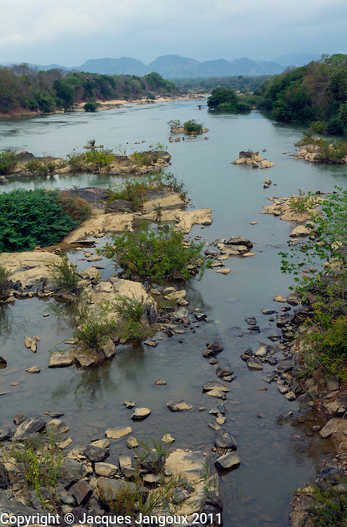 Rio Paranã tributary of Rio Tocantins in Brazilian Highlands, northern Goiás State, Brazil (drainage basin or watershed of Rio Tocantins)