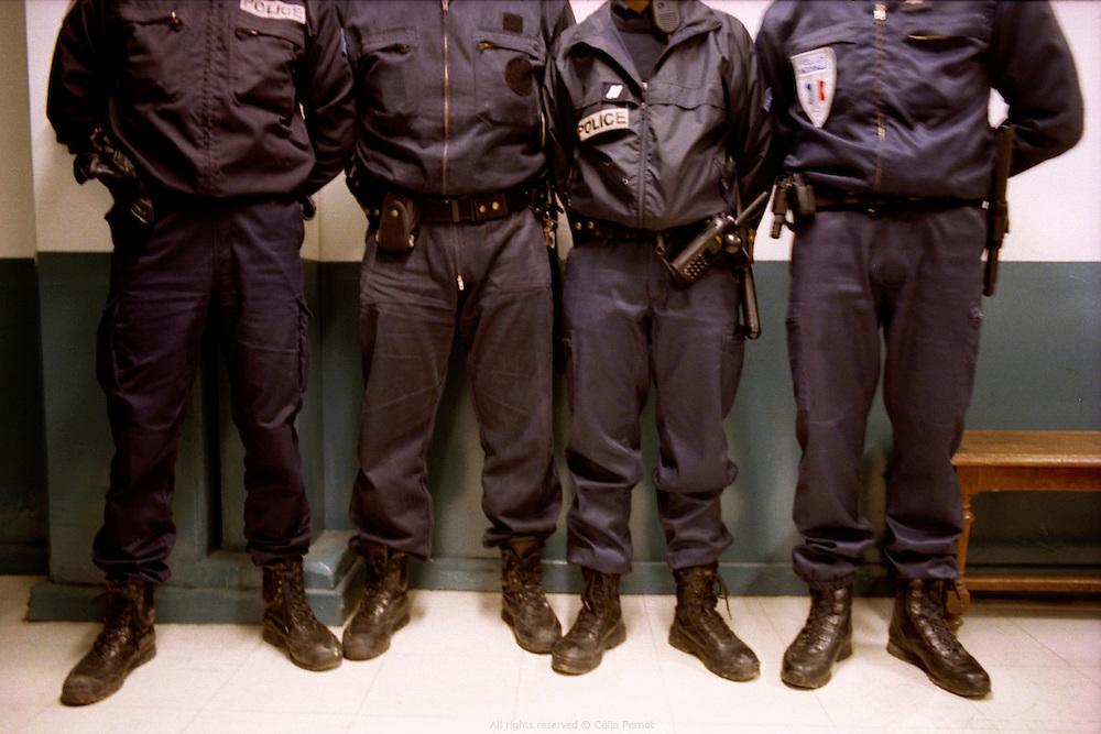 Comme le GAT (groupe d'appui des Tarter&ecirc;ts) est une nouvelle unit&eacute;, ses membres continuent de porter l'uniforme de leur poste pr&eacute;c&eacute;dent.<br /> As the GAT is a new unit, its members have to wear the uniform they had in their previous position.