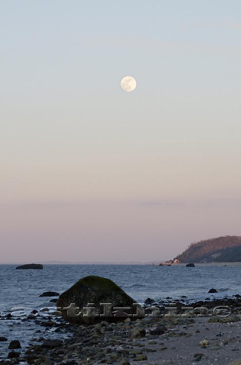 Moon on the evening sky