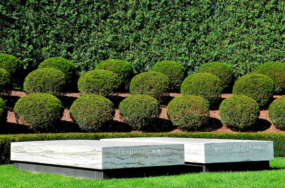 West Branch (IA) United States  city photos : Hoover Grave Site at Herbert Hoover Presidential Museum in West Branch ...