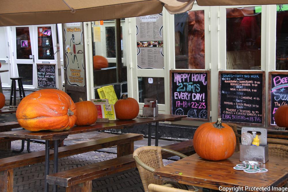 Halloween at cafe near Rembrandtplein