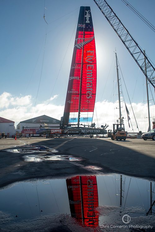 Emirates Team New Zealand prepare NZL5 for day twelve of America's Cup 34. 22/9/2013