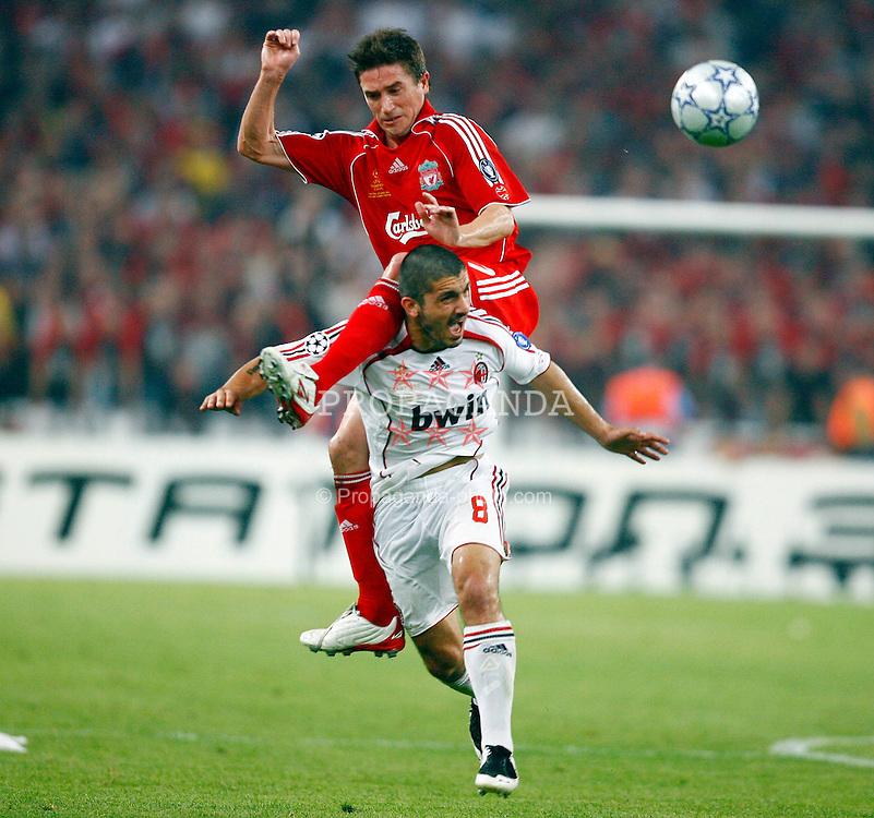 Athens, Greece - Wednesday, May 23, 2007: Liverpool's Harry Kewell in action with AC Milan's Gennaro Gattuso during the UEFA Champions League Final at the OACA Spyro Louis Olympic Stadium. (Pic by David Rawcliffe/Propaganda)