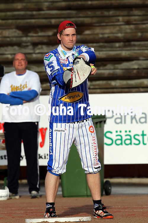 17.5.2011, Pohjanlinnan pesisstadion, Kankaanp??..Superpesis 2011, Kankaanp??n Maila - Jyv?skyl?n Kiri..Jani Karppanen - Kiri.
