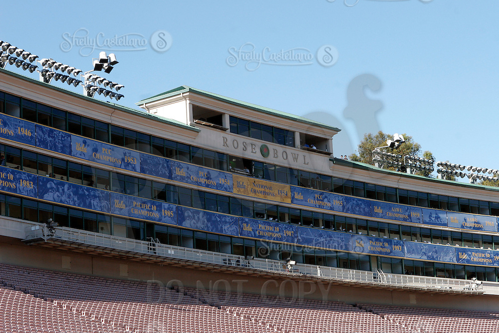 2 December 2006: Stadium Press Box inside the landmark sport field. Pac-10 college football upset UCLA beat the Trojans 13-9 during the final home game of the season for the UCLA Bruins vs the University of Southern California USC  Trojans at the Rose Bowl in Pasadena, CA.<br />