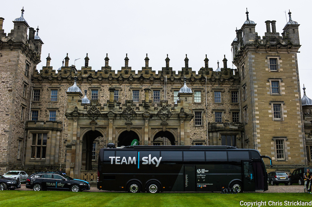 Floors Castle, Kelso, Scottish Borders, UK. 8th September 2015. Stage 3 of the Tour of Britain climaxes at Floors Castle in Kelso, the home of the Duke of Roxburghe.