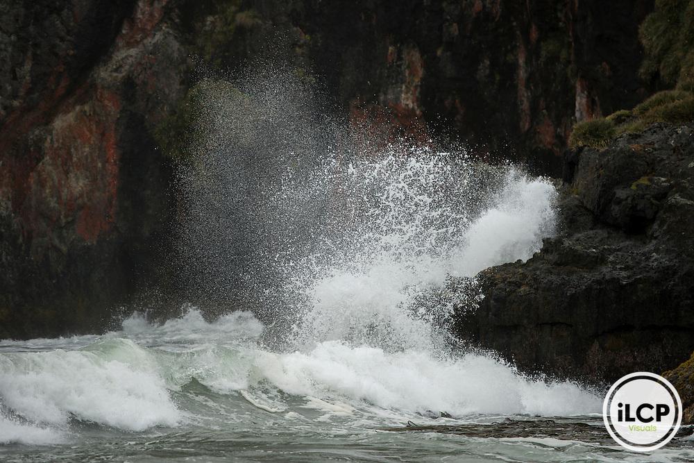 Breaking waves, Duhatao beach.
