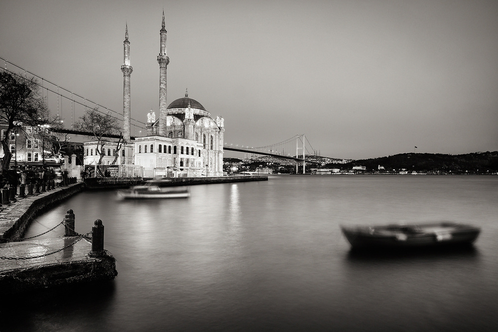 Title: Istanbul #6<br /> Year: 2017<br /> Place: Istanbul, Turkey<br /> Photographer: Ezequiel Scagnetti &copy;<br /> <br /> This image is property of photographer Ezequiel Scagnetti and is protected under Belgian and international copyright law. Unless written consent of photographer Ezequiel Scagnetti, this image cannot be reproduced, transmitted, manipulated or copied. Violators will be prosecuted, worldwide.