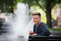 OSLO, 20150727: Eskil Pedersen intervjuet på Grünerløkka. Han trives best i sommer-Oslo. FOTO: TOM HANSEN