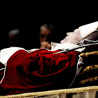 Vatican, 05 April 2005 <br /> The body of Pope John Paul II lying-in-state at St. Peter's Basilica.<br /> Photo: Ezequiel Scagnetti