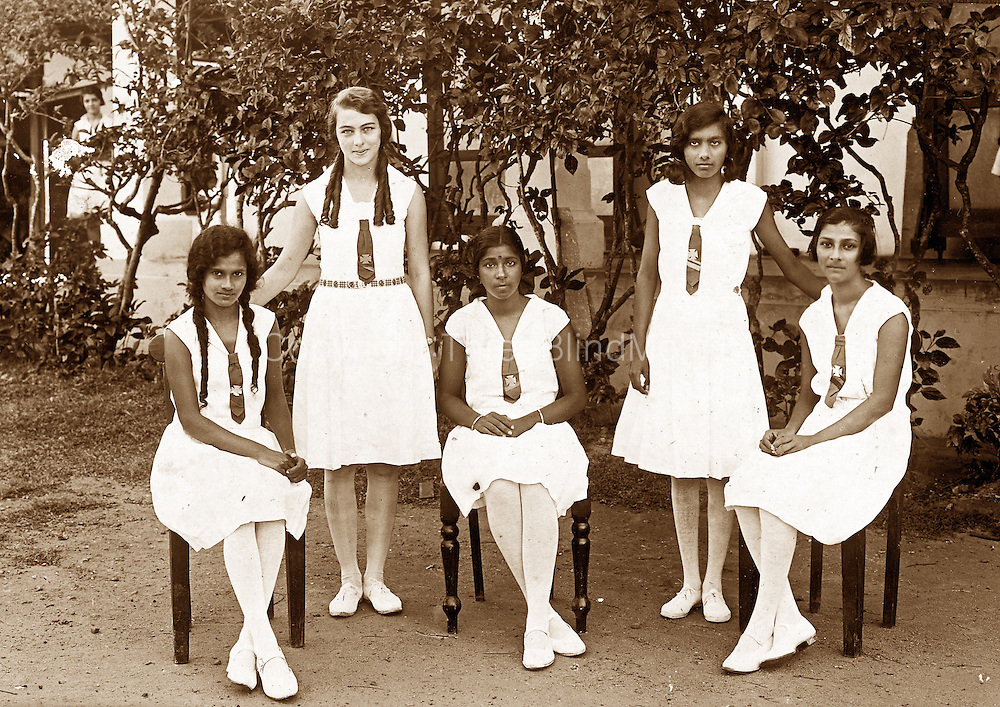 Standing at the back left is Gladys Nathanielsz (nee Wijeyekoon) from the Srian Perera collection.