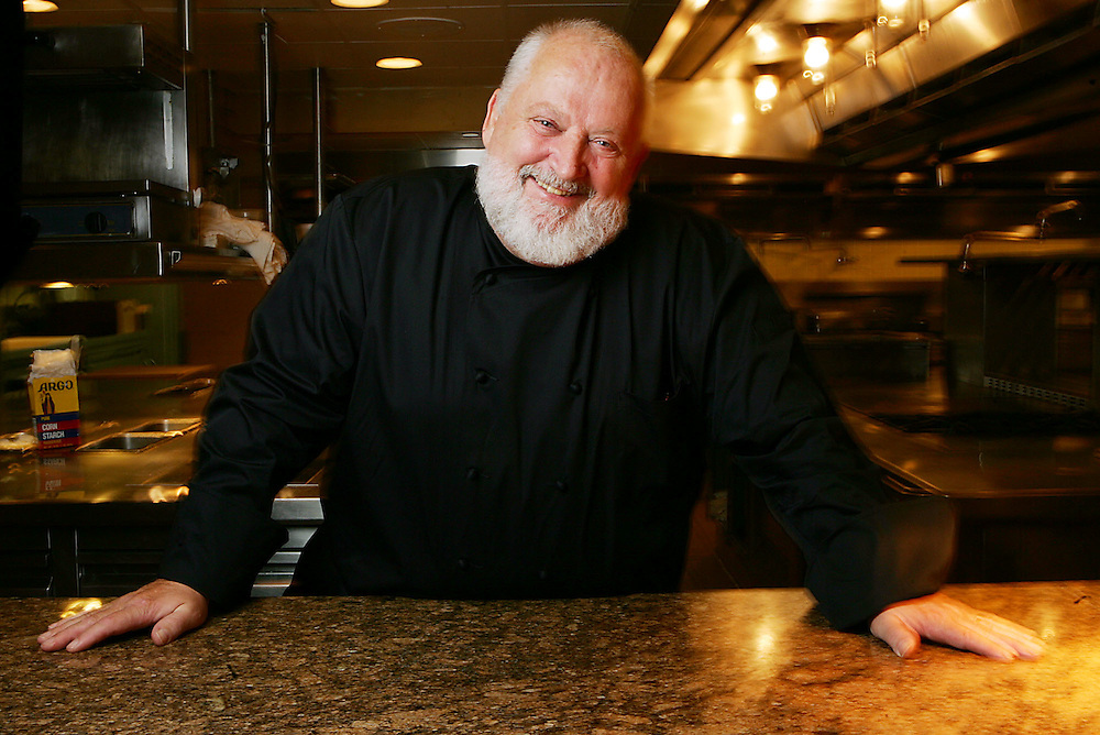 Jay Westcott/Examiner LN   Washington, August 15, 2006 - Citronelle Chef Michel Richard in the kitchen at Citronelle in Washington.