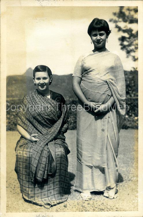 Kathleen Felsinger (seated) and her sister Maureen. Wanaraja Estate, Lower Division, Dick Oya. <br /> Felsinger Collection.