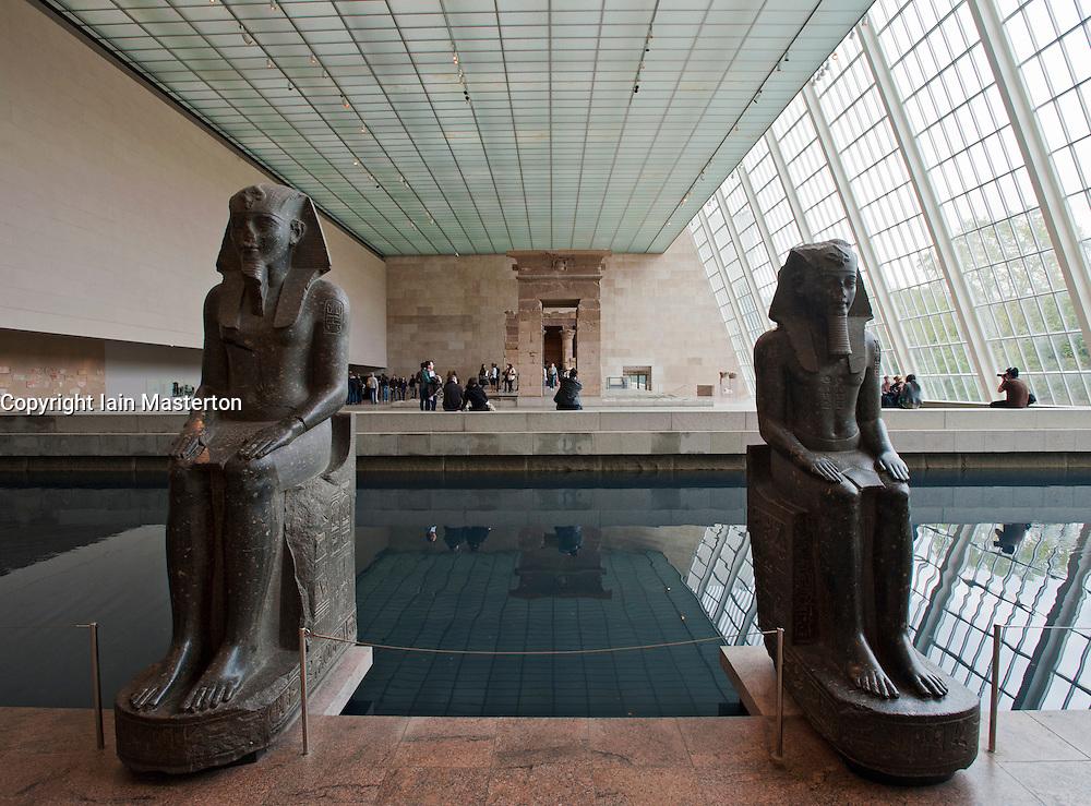 Egyptian temple of dendur at metropolitan museum of art in for Nyc metropolitan museum of art