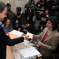 Jose Luis Rodriguez Zapatero, Spanish Prime Minister, votes at Colegio de Nuestra Senora del Buen Consejo in Madrid, Spain, on Sunday, March. 9, 2008. Today Spanish citizen will vote for a new prime minister.