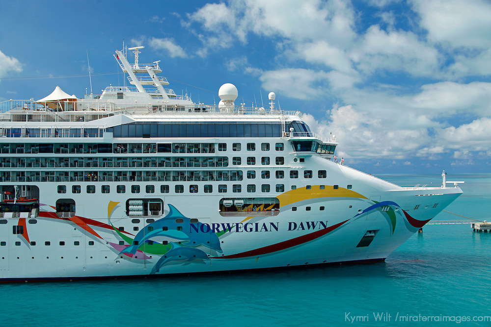 Norwegian Dawn Cruiseship of Norwegian Cruiseline.
