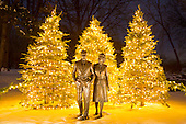 2016-1212-FordHouse-ChristmasLights