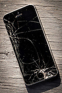 Apple Iphone 5s with a Broken Screen - Sept 2015
