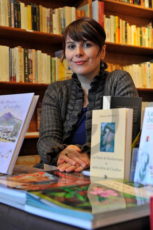 07/02/12 - SALERS - CANTAL - FRANCE - Celia GRANDJEAN, gerante de la Librairie Barbe Bleue - Photo Jerome CHABANNE