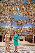 Koningin Silvia  samen met Prinses Beatrix in het vaticaan