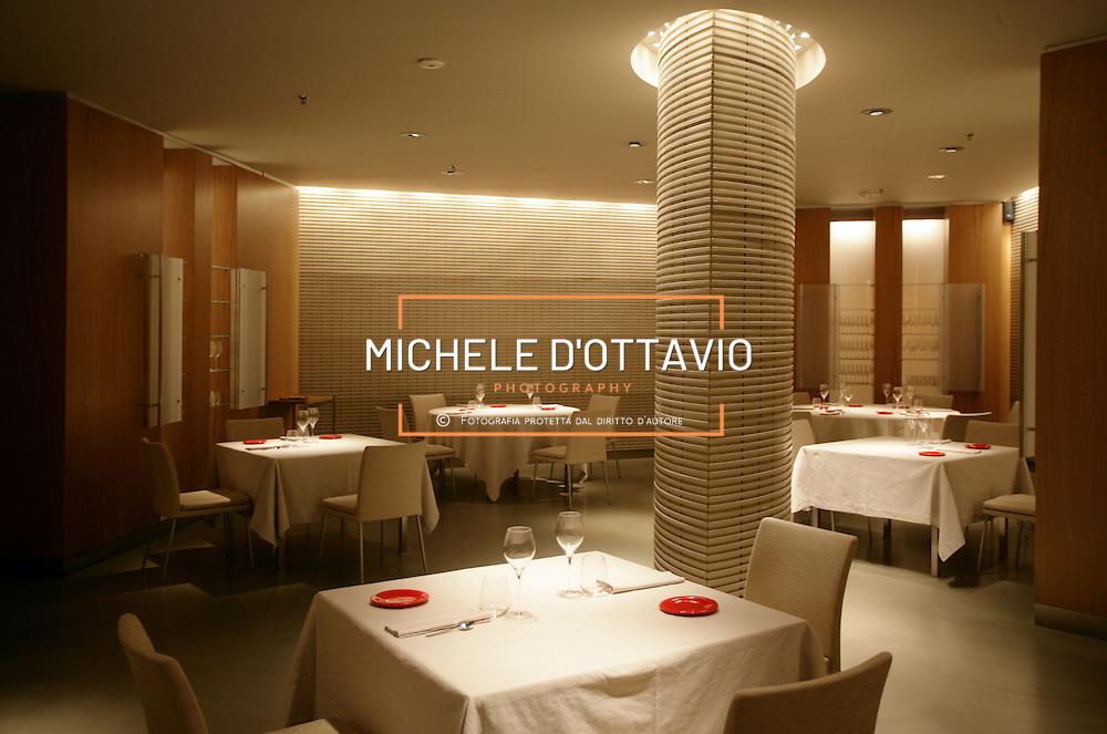 Torino Lingotto il ristorante ?Guido per Eataly? si trova all'interno di Eataly al piano interrato .fotografia di  Michele D?Ottavio