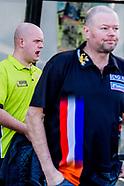 ROTTERDAM - Raymond van Barneveld, Michael van Gerwen,  poseren voor Ahoy waar morgen de De beste da
