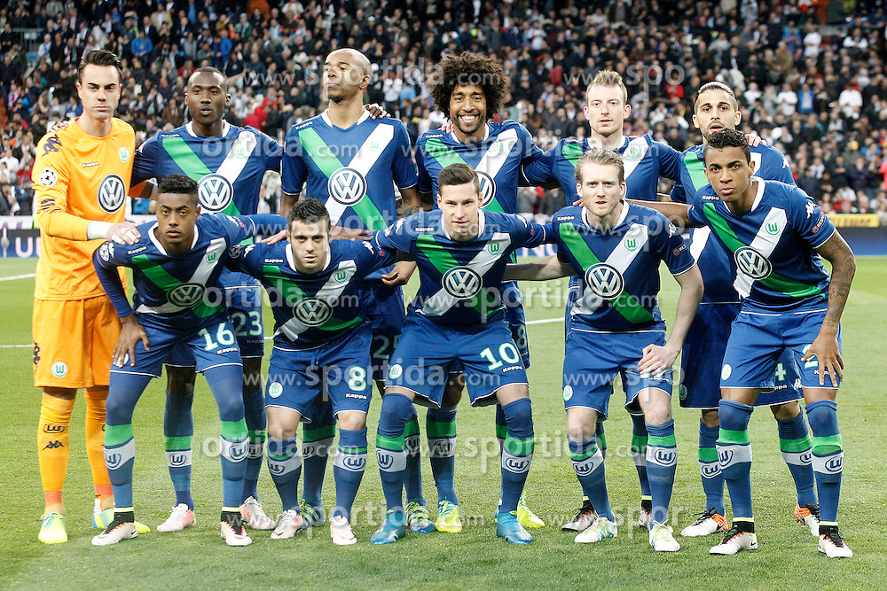 12.04.2016, Estadio Santiago Bernabeu, Madrid, ESP, UEFA CL, Real Madrid vs VfL Wolfsburg, Viertelfinale, Rueckspiel, im Bild WfL Wolfsburg's team photo // during the UEFA Champions League Quaterfinal, 2nd Leg match between Real Madrid and VfL Wolfsburg at the Estadio Santiago Bernabeu in Madrid, Spain on 2016/04/12. EXPA Pictures &copy; 2016, PhotoCredit: EXPA/ Alterphotos/ Acero<br /> <br /> *****ATTENTION - OUT of ESP, SUI*****