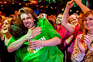 AMSTERDAM - Leden van GroenLinks reageren bij de uitslag van de eerste exit polls in De Melkweg om de verkiezingsuitslag te volgen na afloop van de Tweede Kamerverkiezingen.copyright robin utrecht
