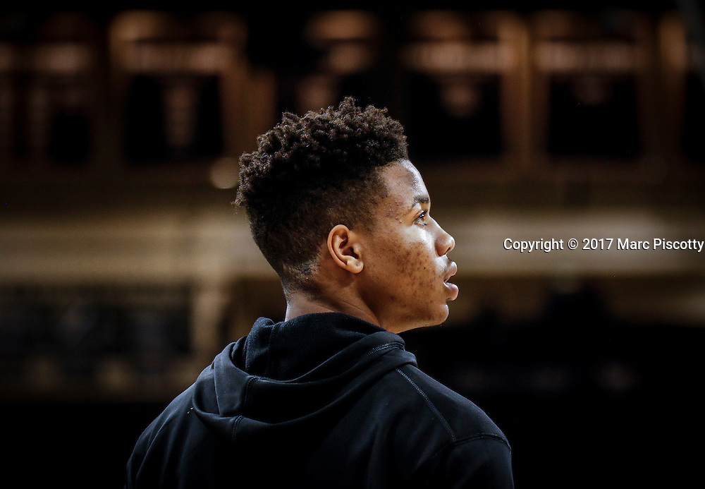 SHOT 2/9/17 7:32:13 PM - Washington's Markelle Fultz  during warmups prior to their regular season Pac-12 college basketball game against Colorado at the Coors Events Center in Boulder, Co. Colorado won the game 81-66. Fultz, who did not play in the game due to illness, is projected by many to be the top overall pick in the 2017 NBA Draft. (Photo by Marc Piscotty / © 2017)